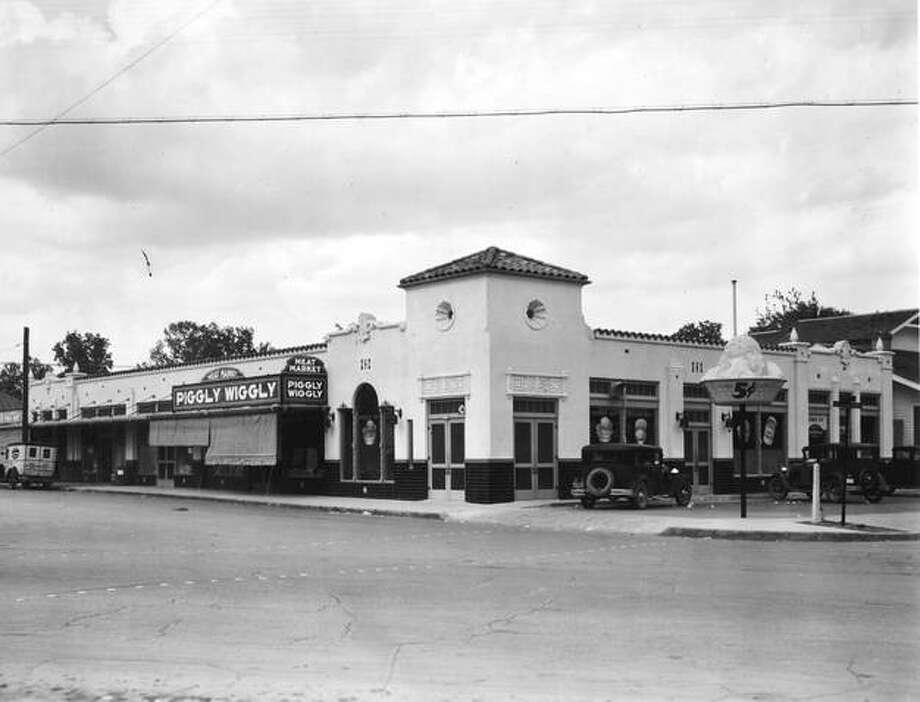 This is a photo taken in the 1920s of a then-new Piggly Wiggly store at the corner of Fredericksburg Road and West French Place. Photo: Courtesy Andrew Mitchell