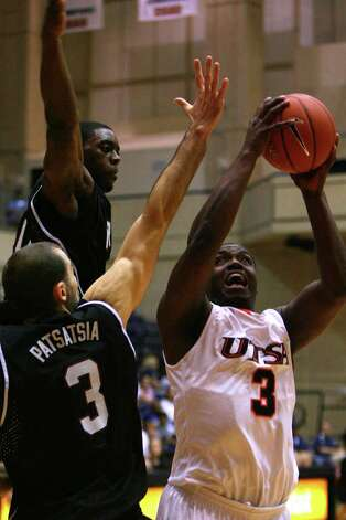 Larry Wilkins shoots in the first half as UTSA played Troy at the UTSA Convocation Center, Monday, November 22, 2010. UTSA beat Troy 81-70. Photo: JENNIFER WHITNEY, Express-News / special to the Express-News