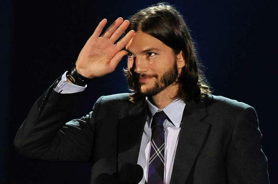 Manly man man man Ashton Kutcher Photo: ROBYN BECK, Getty / AFP