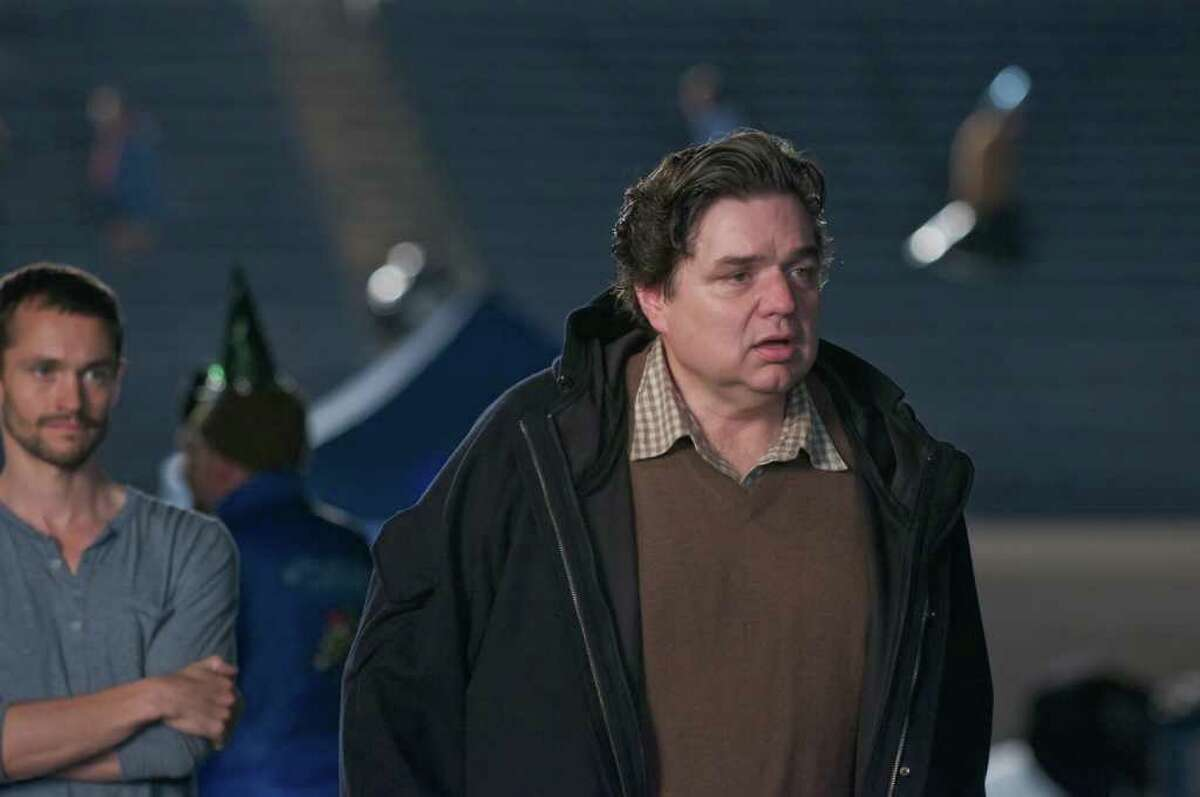 Hugh Dancy as Lee and Oliver Platt as Paul in The Big C.