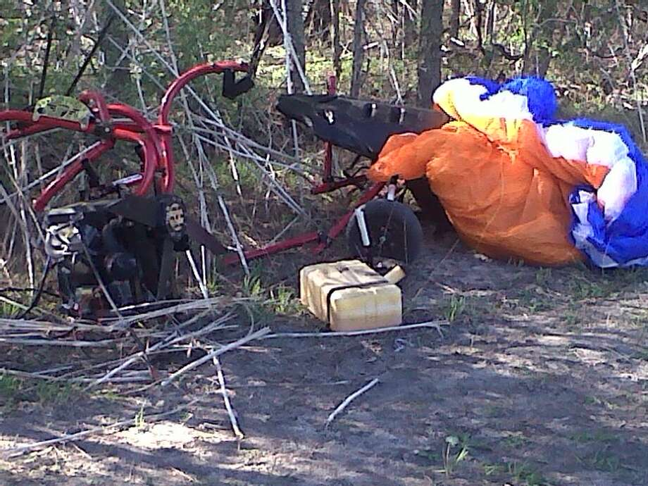 A man flying an experimental aircraft that crash landed Friday morning in Schertz hasdied. Photo: Courtesy Photo