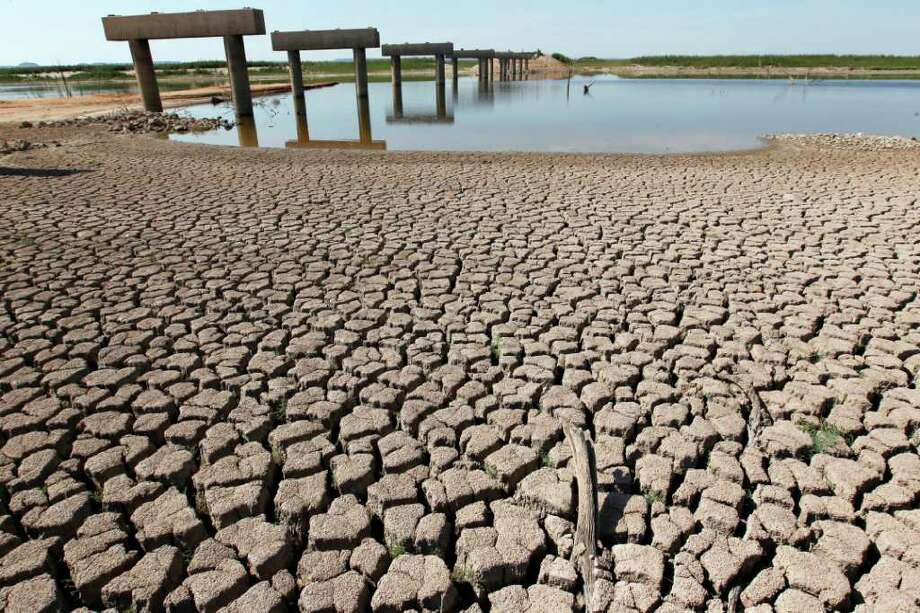 A severe drought continues to plague 26 percent of the state. Photo: File Photo, Associated Press / San Angelo Standard-Times