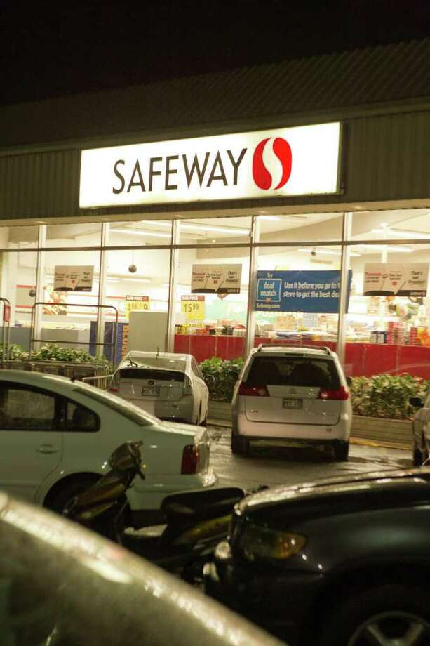 APOLOGIZES: The Safeway where the Leszczynskis were arrested later apologized for the incident and declined to press charges. Photo: Marco Garcia / FR132415 AP