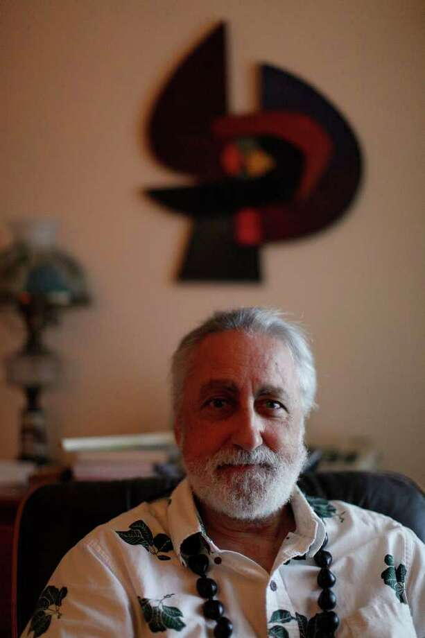 Lanny Sinkin is executive director of Solar San Antonio, founded by his father. He's also a central figure, he says, in Kingdom of Hawaii politics, routinely advising the self-styled king. Photo: LISA KRANTZ, SAN ANTONIO EXPRESS-NEWS / SAN ANTONIO EXPRESS-NEWS