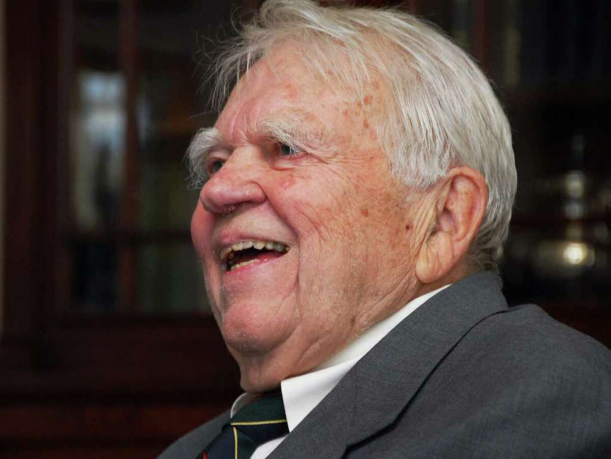 Humorist Andy Rooney at Albany Academy to kick-off the school's 2008-2009 Alumni Speaker Series on Friday, Sept. 19, 2008. (John Carl D'Annibale / Times Union)