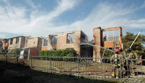 N W Side Apartment Fire Displaces Eight Families San