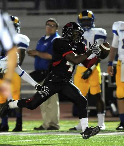 Incarnate Word receiver Jacob Love is unable to hold oon to a pass during college football action against Angelo State at Benson Stadium on Saturday, Nov. 5, 2011. BILLY CALZADA / gcalzada@express-news.net  Angelo State at Incarnate Word Photo: BILLY CALZADA, Express-News / gcalzada@express-news.net