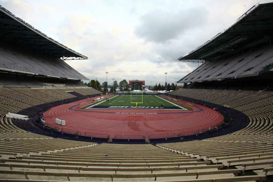 An empty Husky Stadium waits to be filled for the final game to be held at the stadium before a planned renovation. The Huskies faced the Oregon Ducks in the final game in the aging stadium on Saturday, November 5, 2011. Photo: JOSHUA TRUJILLO / SEATTLEPI.COM