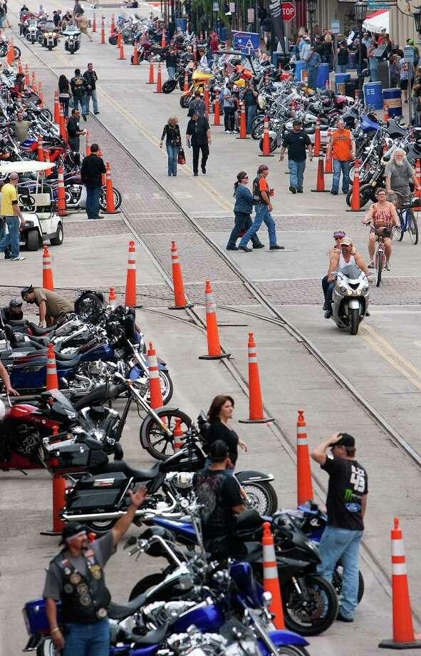 CODY DUTY : CHRONICLE BOOST: Galveston Mayor Joe Jaworski said the large number of motorcyclists gathered on the island the past few days provided a shot in the arm for the local economy. Photo: Cody Duty / © 2011 Houston Chronicle