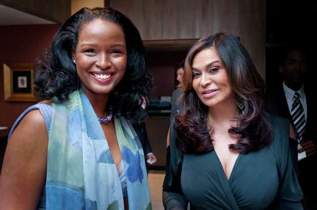 Winell Herron and Tina Knowles Photo: Grady Carter