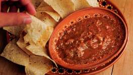 MAYRA BELTRÁN PHOTOS  : STAFF NINFA'S IN YOUR KITCHEN: Ninfa's on Navigation recently launched a line of their popular salsas.