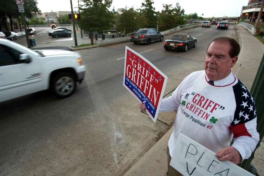 "Nick de la Torre : Chronicle HOPEFUL: Houston City Council candidate Michael ""Griff"" Griffin campaigned for the last time Tuesday, trolling for votes at the intersection of Travis and Commerce. Photo: Nick De La Torre / © 2011  Houston Chronicle"
