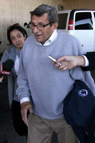 Penn State head football coach Joe Paterno should step down now, not at the end of the season. Photo: Rob Carr, Getty Images / 2011 Getty Images