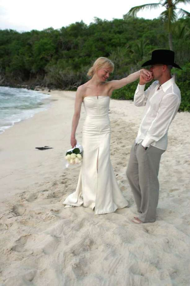 Renée Zellweger and Kenny Chesney: 4 months (2005; annulled) Photo: HO / CAROLINA HERRERA