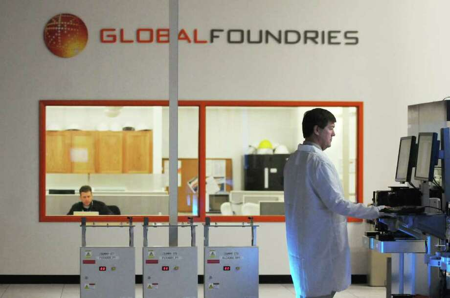 Software engineer Douglas Kaip works in the GlobalFoundries test lab on Wednesday, Oct. 27, 2010, in Malta, N.Y. (Cindy Schultz / Times Union) Photo: Cindy Schultz / 00010806A