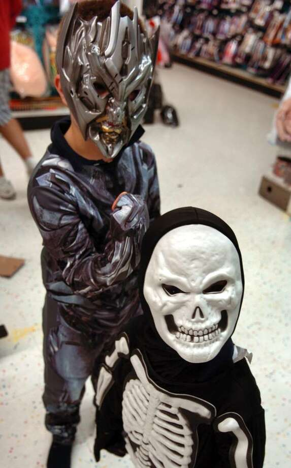 Kids and parents spend time finding the perfect Halloween costume at Party City in Fairfield & Robots bloodsuckers and pirates: Oh my! - Connecticut Post