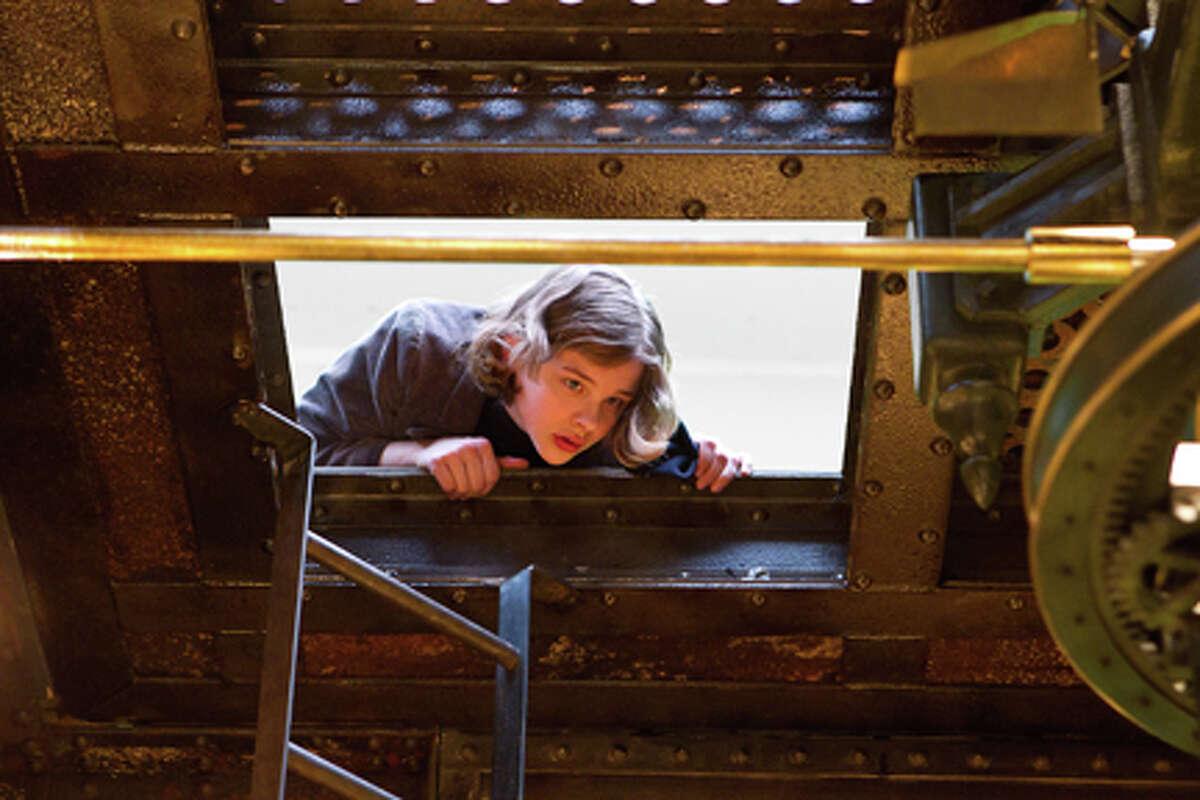 Chloe Grace Moretz as Isabelle in