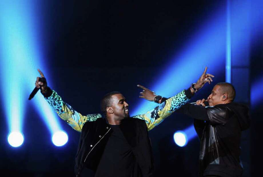 Rappers Kanye West and Jay-Z perform. Photo: © Lucas Jackson / Reuters, REUTERS / X90066