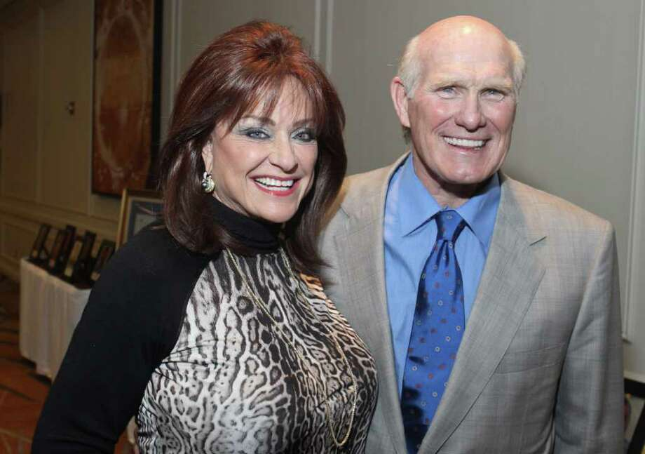 (For the Chronicle/Gary Fountain, November 1, 2011) Carolyn Faulk and Terry Bradshaw at the Linda Lorelle Scholarship luncheon. Photo: Gary Fountain, For The Chronicle / Copyright 2011 Gary Fountain