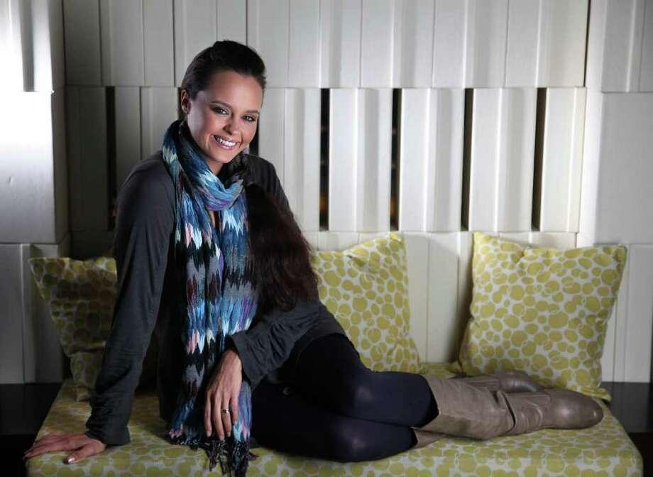Shaila Dúrcal lanzó un disco impecable en su concepto y en su ejecución. Photo: Mayra Beltran / © 2011 Houston Chronicle