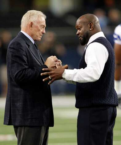 Dallas Cowboys team owner Jerry Jones, left, and former player Emmitt Smith, right, before an NFL football game  against the Seattle Seahawks Sunday, Nov. 6, 2011, in Arlington, Texas. (AP Photo/Jim Cowsert) Photo: Jim Cowsert, FRE / Jim Cowsert