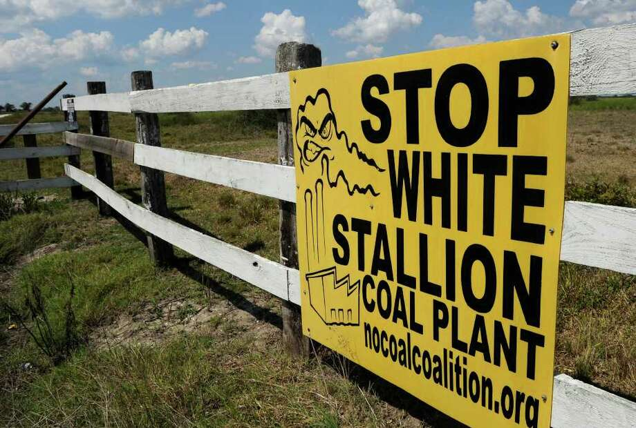 Residents in Matagorda County did not support the White Stallion project. Photo: Pat Sullivan / AP