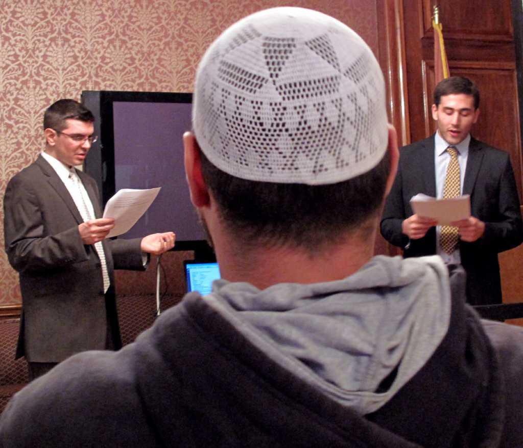 Angry Muslims say don't call cops - Times Union