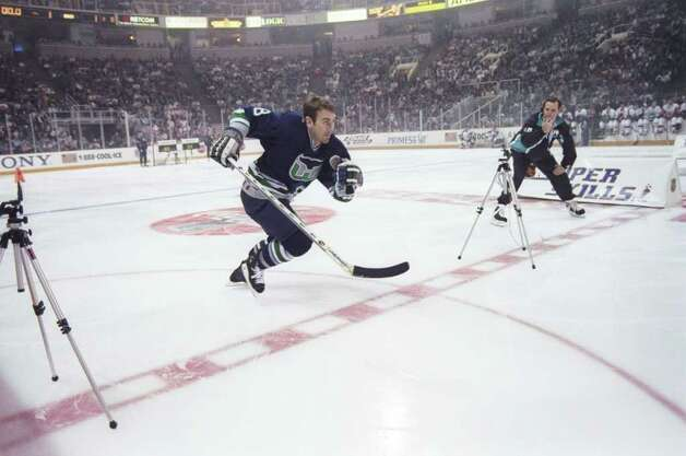 17 Jan 1997: Leftwinger Geoff Sanderson of the Hartford Whalers excels as the fastest skater during the NHL Super-Skills Competition at the San Jose Arena in San Jose, California. Photo: File Photo / Stamford Advocate File Photo
