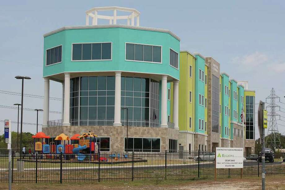 EDUCATION --  The Harmony School of Innovation is situtated at 8125 Glen Mont Drive on the city's northeast side, Thursday, Sept. 15, 2011. JERRY LARA/glara@express-news.net Photo: JERRY LARA, San Antonio Express-News / SAN ANTONIO EXPRESS-NEWS