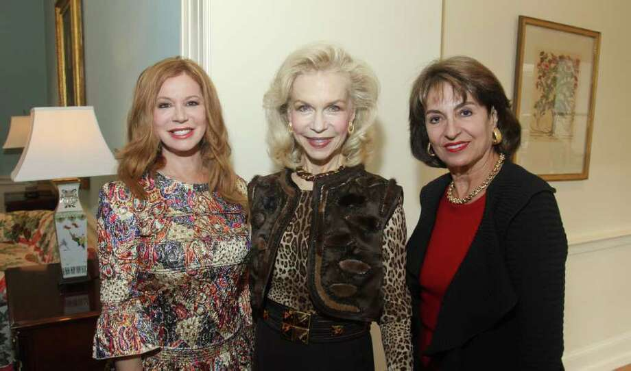 (For the Chronicle/Gary Fountain, November 14, 2011) Co-chair Cindi Rose, from left, Lynn Wyatt and co-chair Mady Kades at the Art of Conversation luncheon benefiting City Artworks. Photo: Gary Fountain / Copyright 2011 Gary Fountain