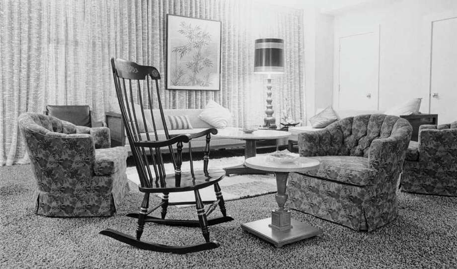 A rocker sits in John F. Kennedy's suite at the Rice Hotel in Houston on Nov. 22, 1963. The chair is being auctioned on Dec. 1 in Dallas. Photo: Curtis McGee / Houston Chronicle