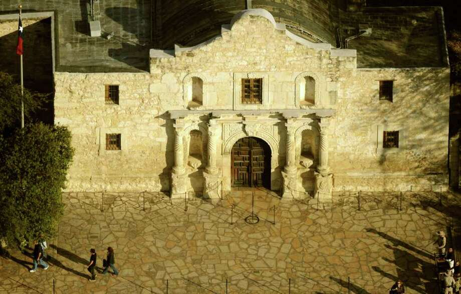A missing document raises further questions whether the Daughters of the Repubic of Texas should have any role at the Alamo. BILLY CALZADA / gcalzada@express-news.net Photo: BILLY CALZADA, SAN ANTONIO EXPRESS-NEWS / gcalzada@express-news.net