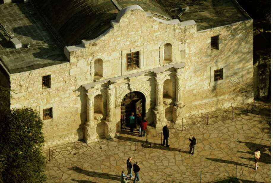 BILLY CALZADA : SAN ANTONIO EXPRESS-NEWS PRESERVATION: The Daughters of the Republic of Texas is the custodian of the Alamo, which needs restoration again. Photo: BILLY CALZADA / gcalzada@express-news.net