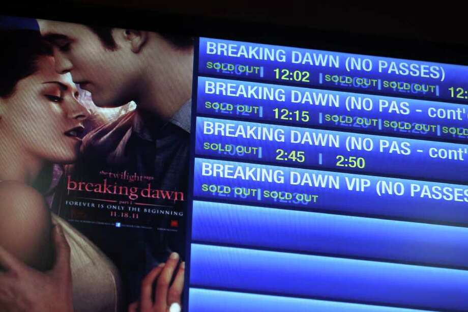 The Palladium sold out 19 showings between midnight and 3am on the opening  night of Twilight Breaking Dawn, Thursday, November 17, 2011. Photo: Jennifer Whitney, Jennifer Whitney/ Special To The Express-News / Jennifer Whitney/special to the Express-News