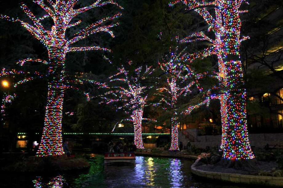 Tax dollars should be spent on projects more worthy than holiday LED lights along the River Walk.  Photo: TOM REEL, SAN ANTONIO EXPRESS-NEWS / © 2011 San Antonio Express-News