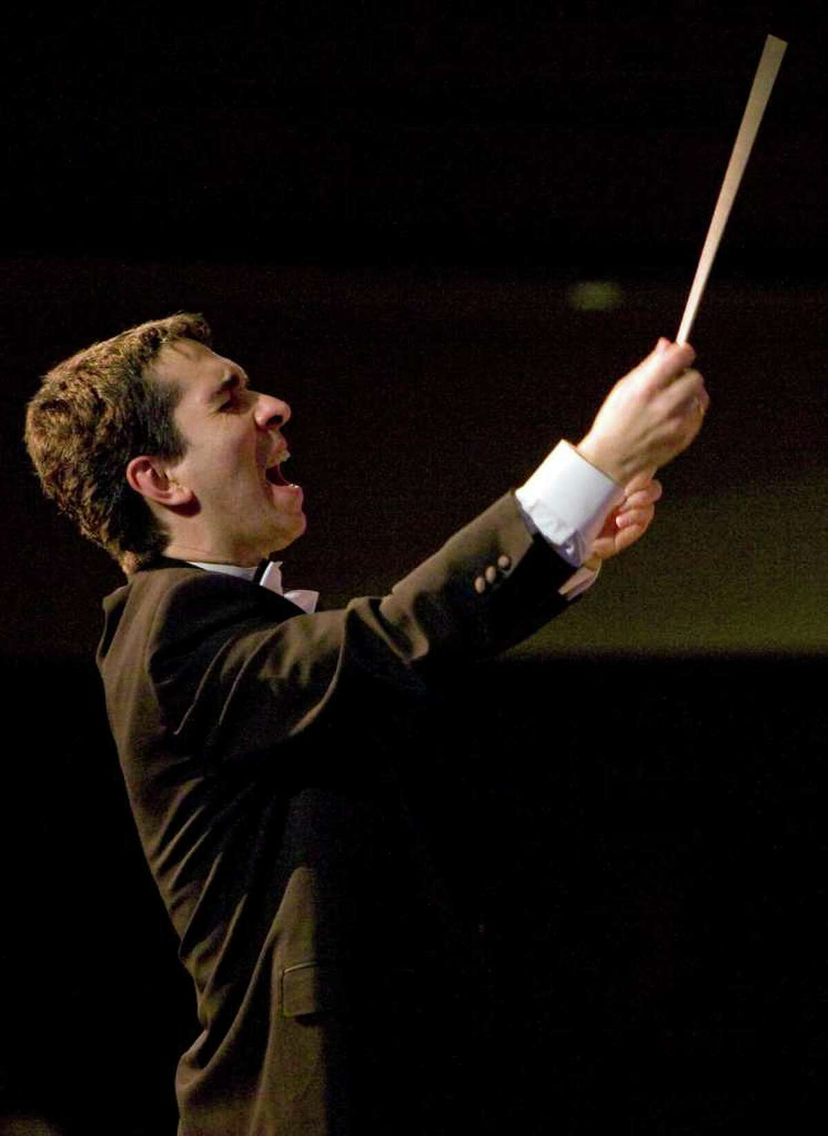Russian-born conductor Eugene Sirotkin will lead the Fairfield County Chorale in