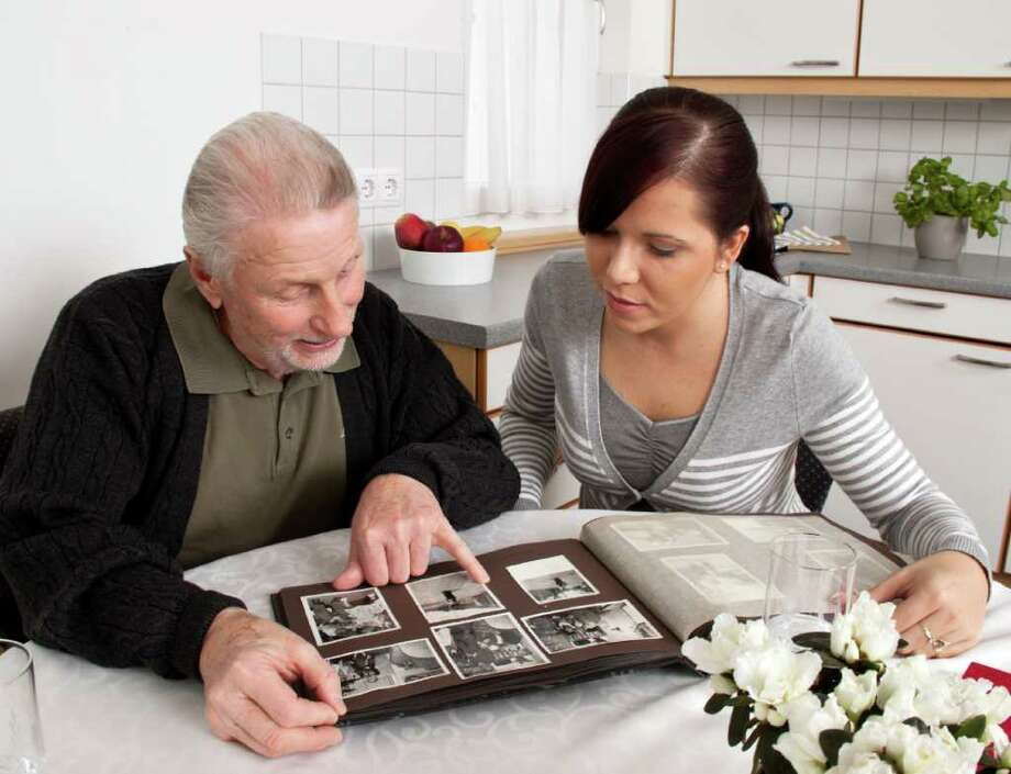 Fotolia.com  Reminiscing about departed relatives can yield useful medical information. Photo: Erwin Wodicka / Erwin Wodicka