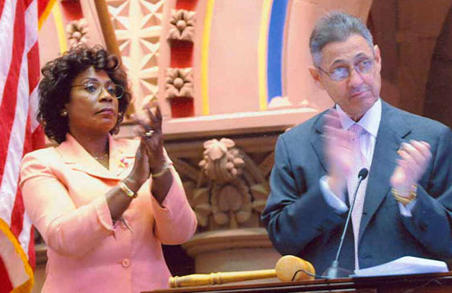 Deputy Speaker Earlene Hooper, left, and Speaker Sheldon Silver, right, preside over a legislative session. (NYS Assembly)