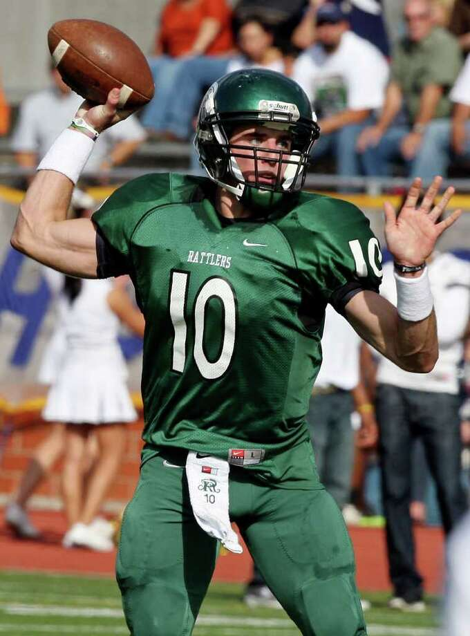 Reagan QB Trevor Knight experienced Twitter backlash after switching his commitment. Photo: EDWARD A. ORNELAS, SAN ANTONIO EXPRESS-NEWS / © SAN ANTONIO EXPRESS-NEWS (NFS)