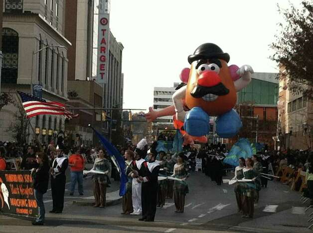 The UBS Parade Spectacular welcomed tens of thousands to downtown Stamford Sunday. The most welcome guest, though, was the clear skies and temperatures in the low 60s. Photo: Chris Preovolos / Stamford Advocate