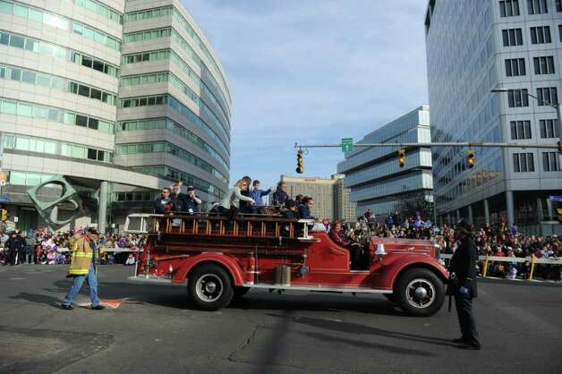 The UBS Parade Spectacular welcomed tens of thousands to downtown Stamford Sunday, November 20, 2011. The most welcome guest, though, was the clear skies and temperatures in the low 60s. Photo: Keelin Daly
