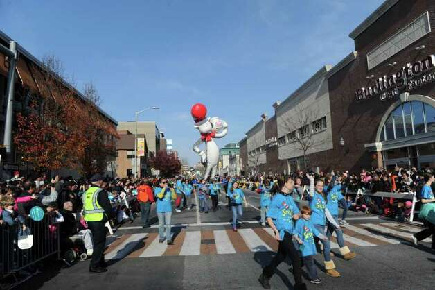 "Stamford's UBS Parade Spectacular, featuring 21 balloons, marching bands and the cast of Showtime's ""The Big C"" makes its way through Stamford, Conn., November 20, 2011. Photo: Keelin Daly"