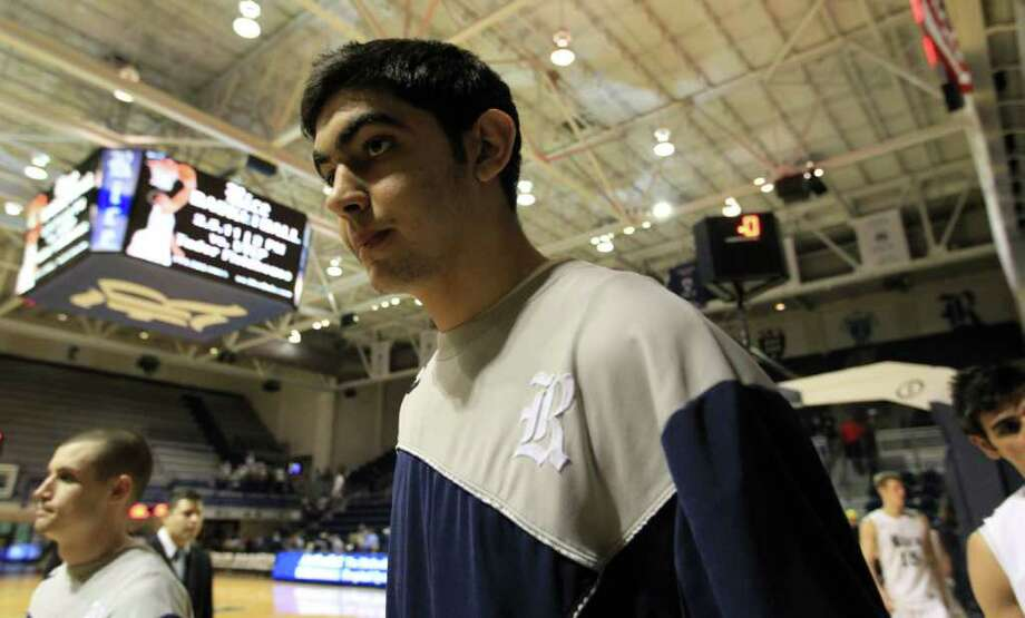 Owls center Omar Oraby scored a career-high 17 points off the bench on Sunday. Photo: Nick De La Torre, Houston Chronicle / Houston Chronicle