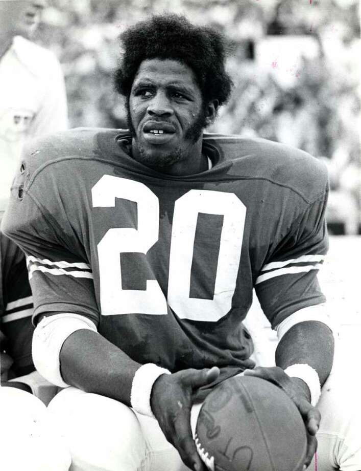 Earl Campbell - University of Texas Longhorns football fullback.  ( Aug 30, 1976 ) / Houston Chronicle