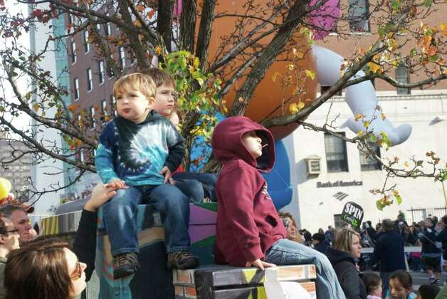 The UBS Parade Spectacular welcomed tens of thousands to downtown Stamford Sunday. The most welcome guest, though, was the clear skies and temperatures in the low 60s. Photo: Michael Spero / Hearst Connectic / Stamford Advocate