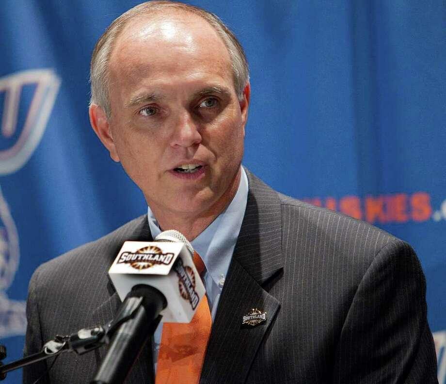 Houston Baptist University's athletic director, Steve Moniaci. Photo: Bob Levey, Houston Chronicle / ©2011 Bob Levey