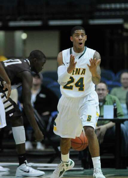 Siena's Davonte Beard can't believe an official's call during the first half of Siena's 64-58 loss t