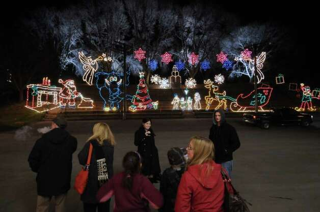 View of the 15th Annual Hannaford Capital Holiday Lights in Washington Park on Monday Nov. 21, 2011 in Albany, NY. (Philip Kamrass / Times Union ) Photo: Philip Kamrass / 00015441A