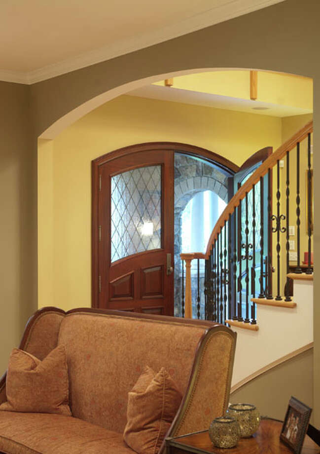 Dramatic flourishes combine with homey comforts in the family home of Vic and Karen Abate, in Saratoga Springs. Read the story here Photos by Mark Samu/Life@Home.