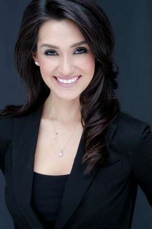 "KSAT STEPPING IN: Isis Romero is KSAT's new 10 p.m. co-anchor. ""I'm really rooting for her,"" outgoing anchor Ursula Pari says."
